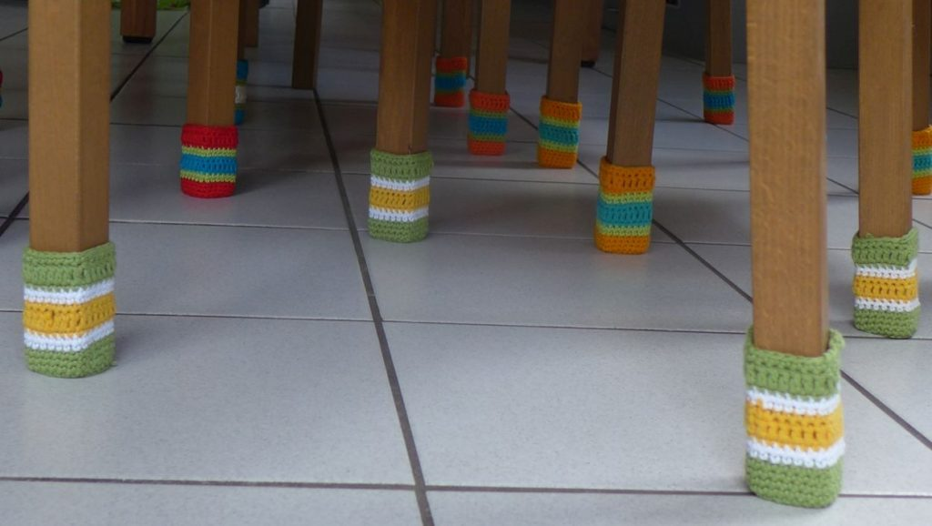 Stuhlsocken,Kratzschutz, Stuhlschutz, Häkelsocken, Chair socks