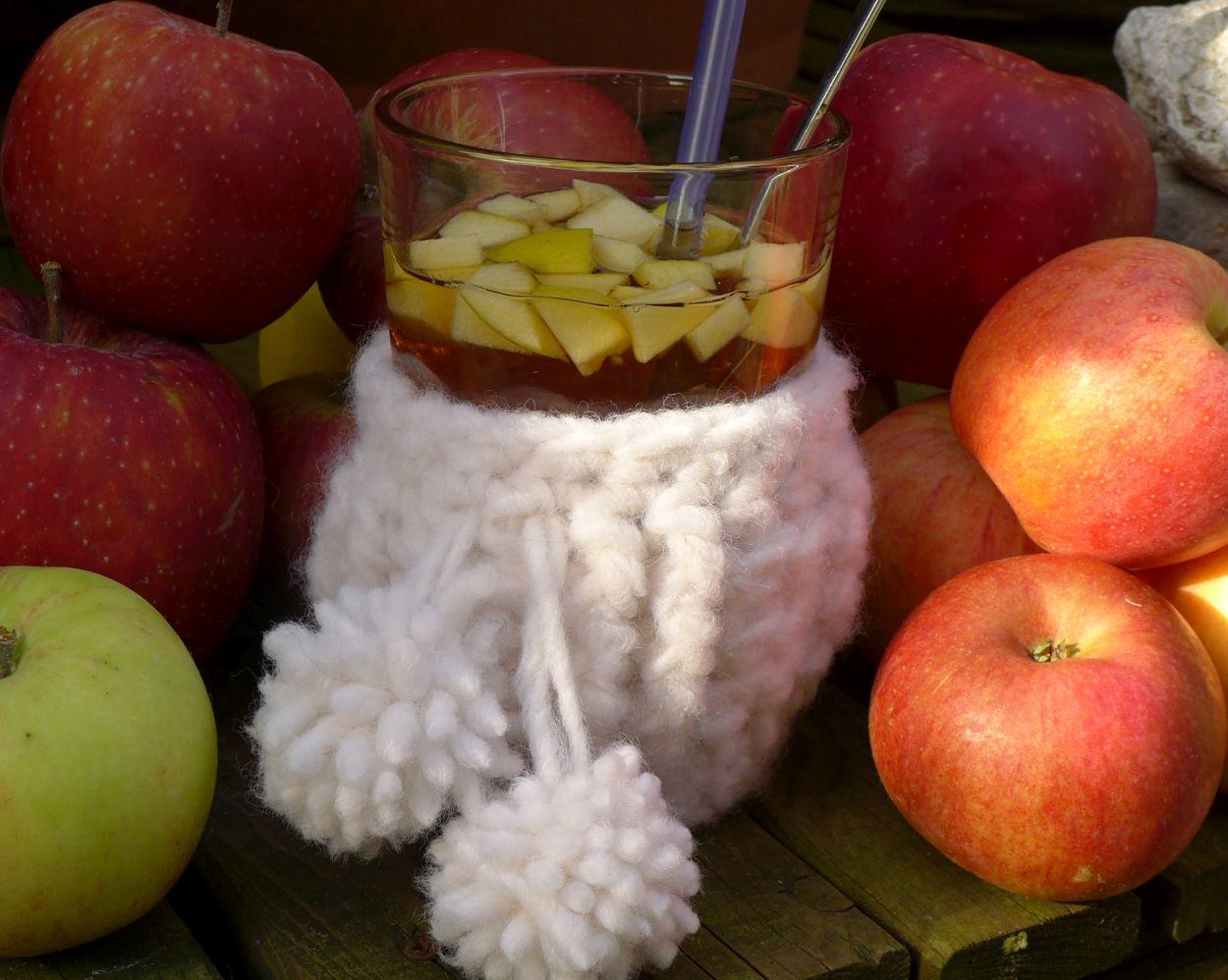 Apfelpunsch im Glasmäntelchen Glas