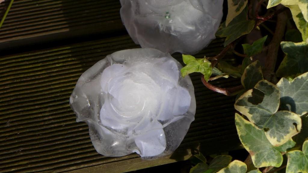 Eisblumen, Kusteis Eisskulptur