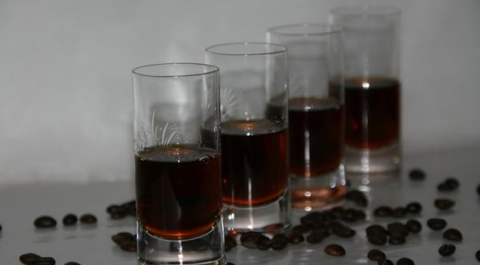 Vom Kaffeelikoer zum sahnigen Kaffeecrema Likoer