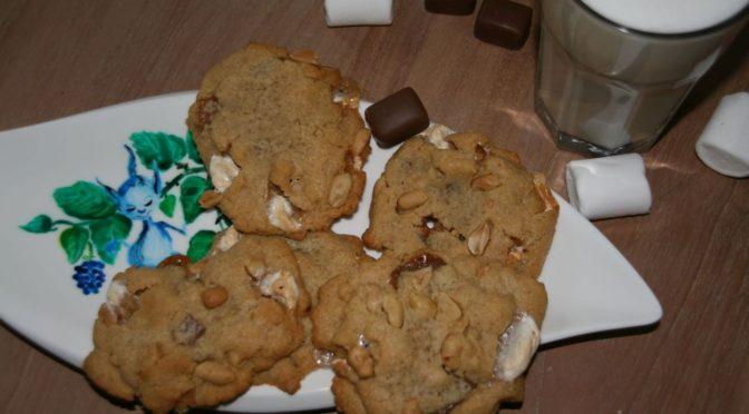 Cookies aus Erdnussbutter mit Marshmallows , Schoko und Toffees