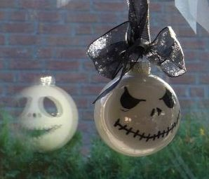 diy-fensterschmuck-kugeln-nightmare-before-chrismas