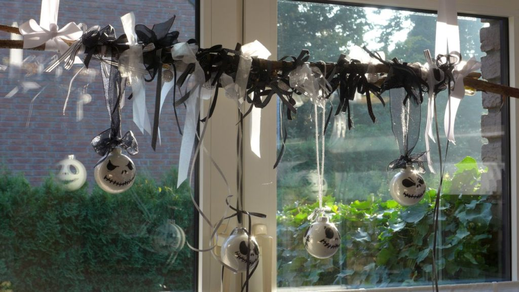 nightmare-before-chrismas-halloween-fensterschmuck-tuerschmuck-jack