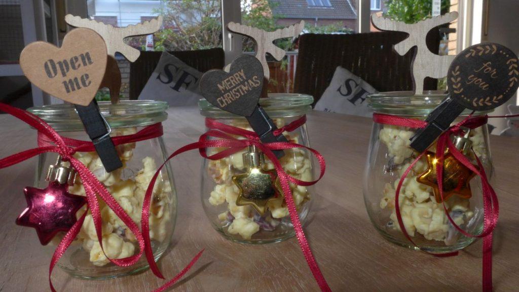 popkorn-mandeln-zucker-schokolade-schneehuegel