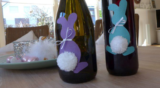 Weinflschen mit Osterhase
